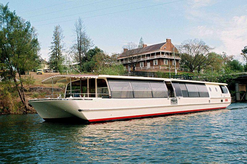 800px-Hawkesbury_river_boat_cruises