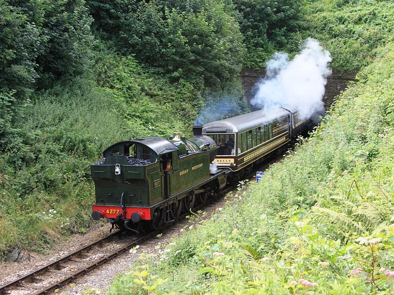 800px-Greenway_Tunnel_4277_and_Devon_Belle