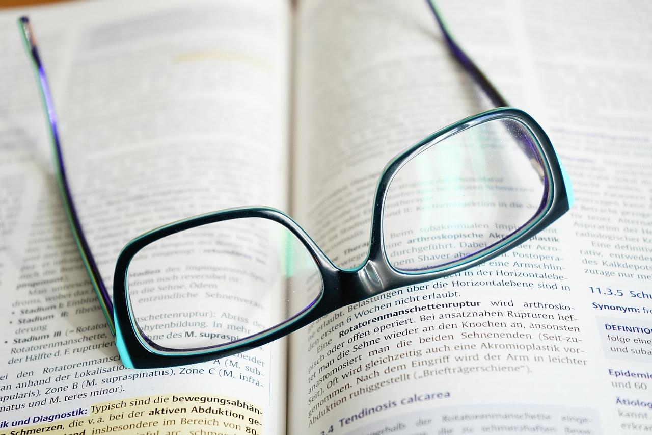 glasses-272403_1280